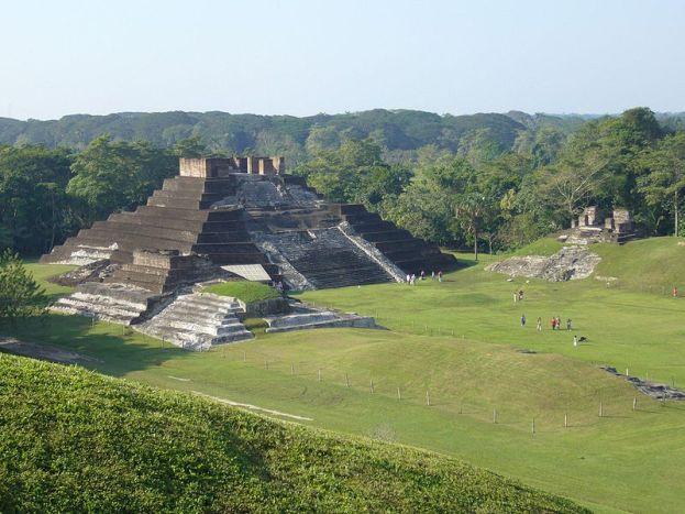 Comalcalco na území Mayů