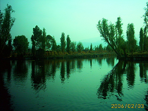 Zbytek jezera Xochimilca u stejnojmenného města a lokality Tlilac