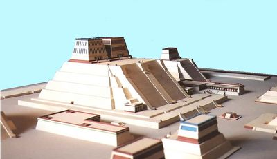 MODEL TEOCALLI V TENOCHTITLANU